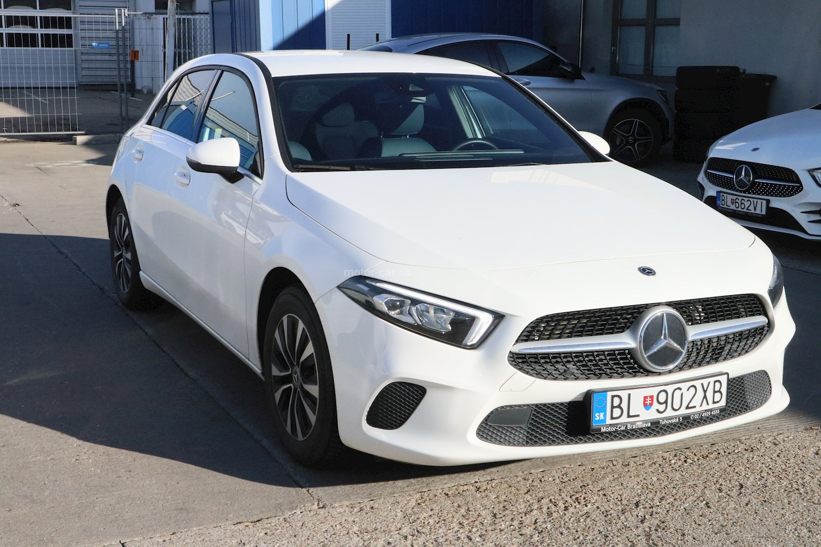 mercedes-benz a 180 hatchback