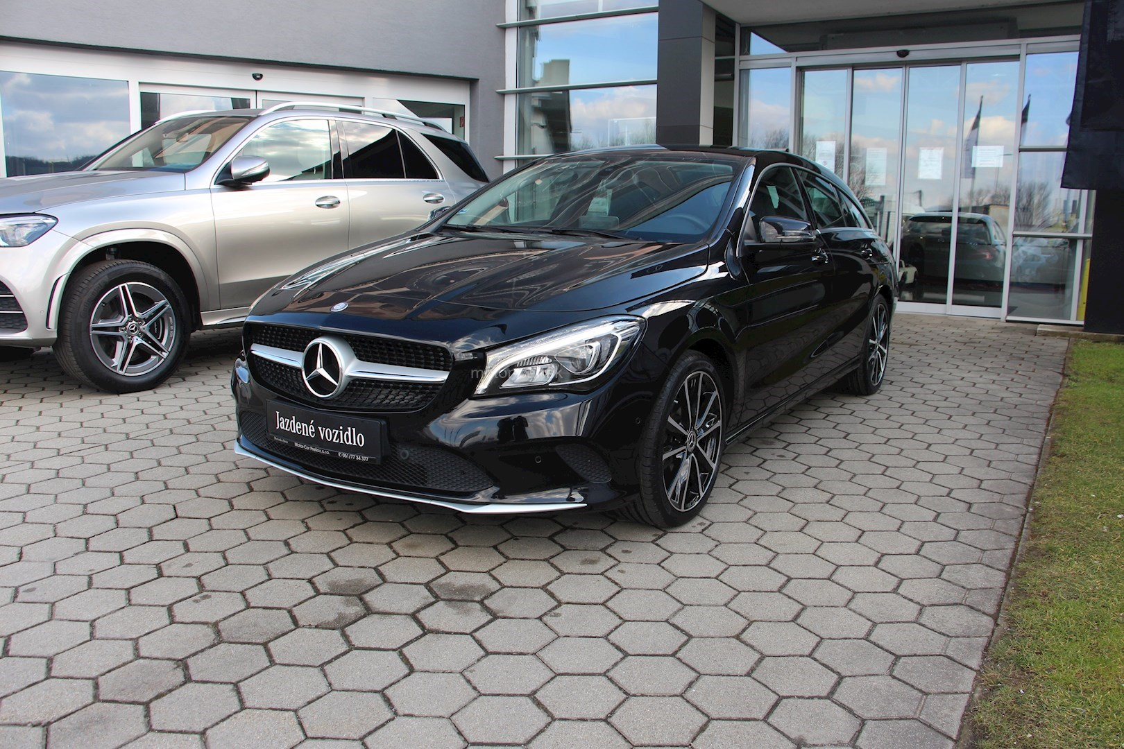 mercedes-benz cla 220d shooting brake 4matic