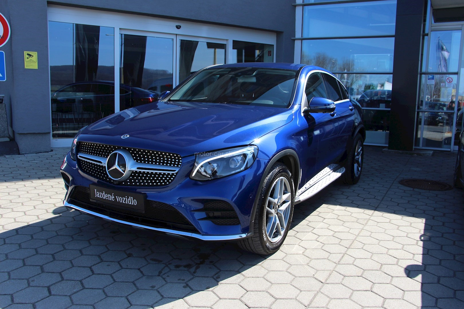 mercedes-benz glc 250d 4matic amg line